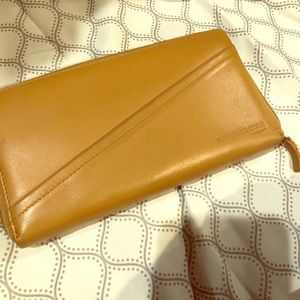 Kennth Cole Leather wallet